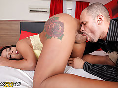 Watch Tranny Nicolly Navarro in this hardcore scene!