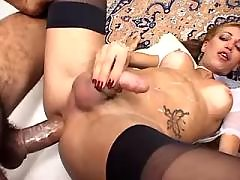 Tranny gets cumload after deep fuck