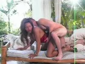 Shemale and her lover cum at one time after anal sex